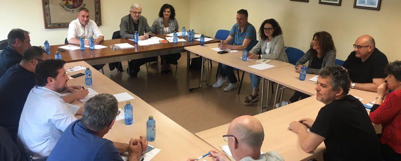 O encontro de responsables locais e provinciais tivo lugar en Cerdido